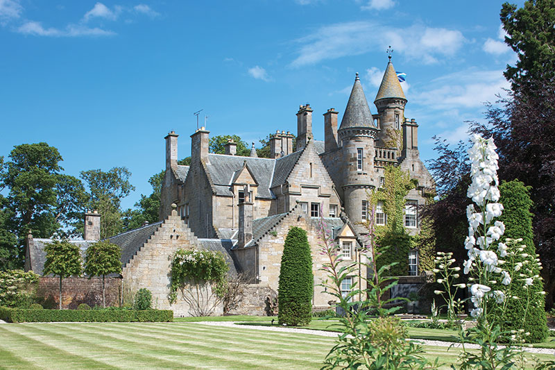 Why To Choose Castles For House Party In Scotland