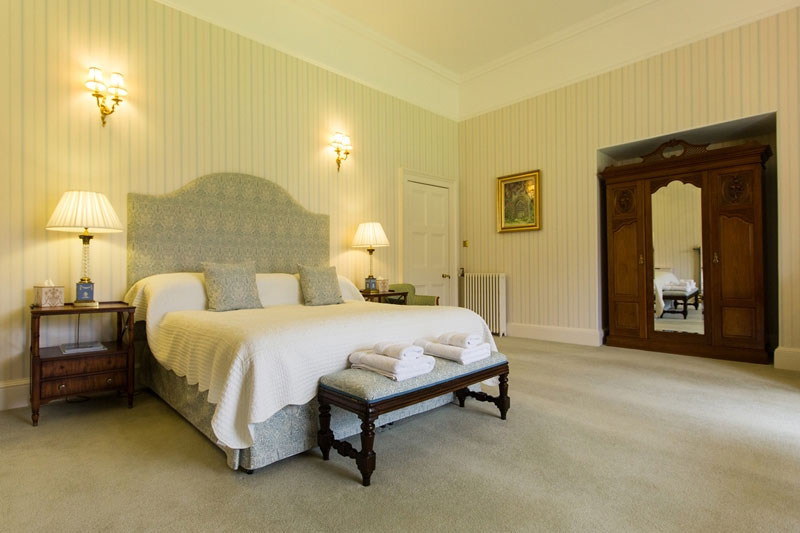 Guthrie Castle Accommodation, Wedding Venues Scotland