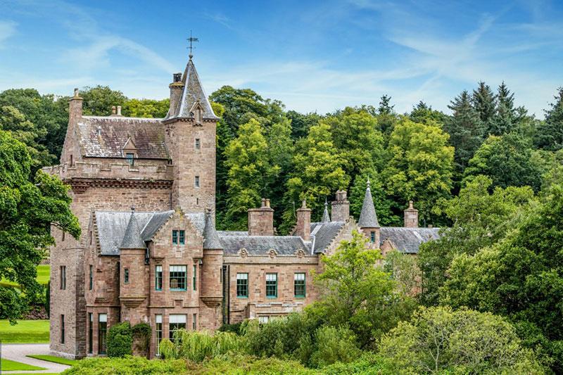 Guthrie Castle Castle, Wedding Venues Scotland