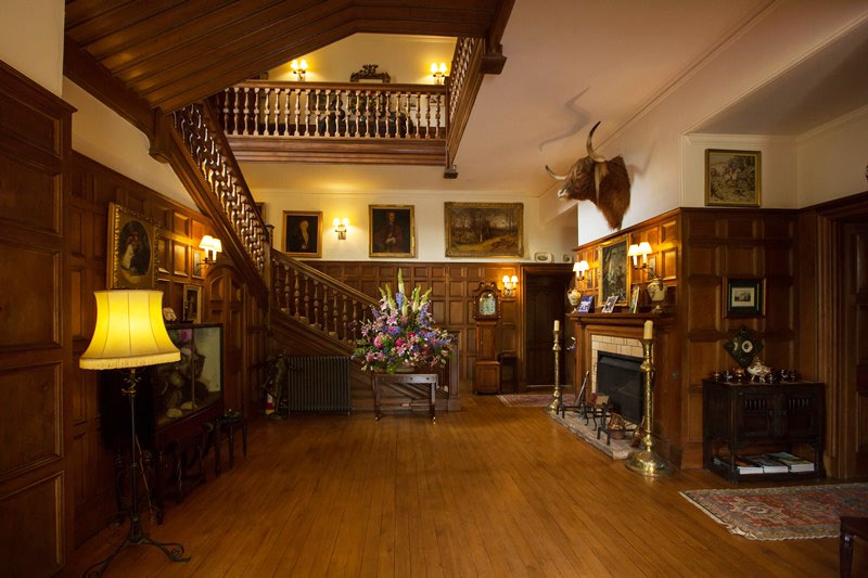 Guthrie Castle: 10 Reasons To Choose This Scottish Wedding ...