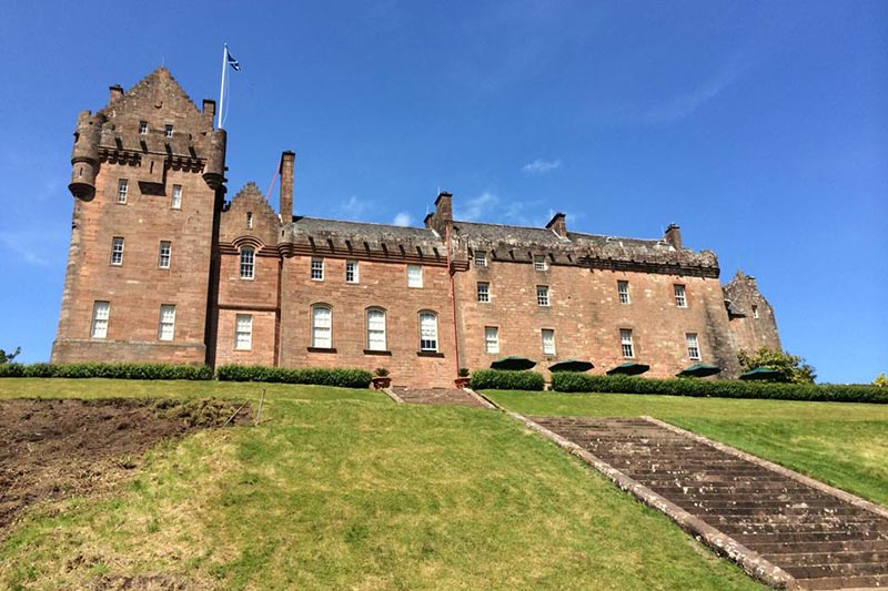 Brodick Castle: 10 Reasons To Choose This Scottish Wedding ...